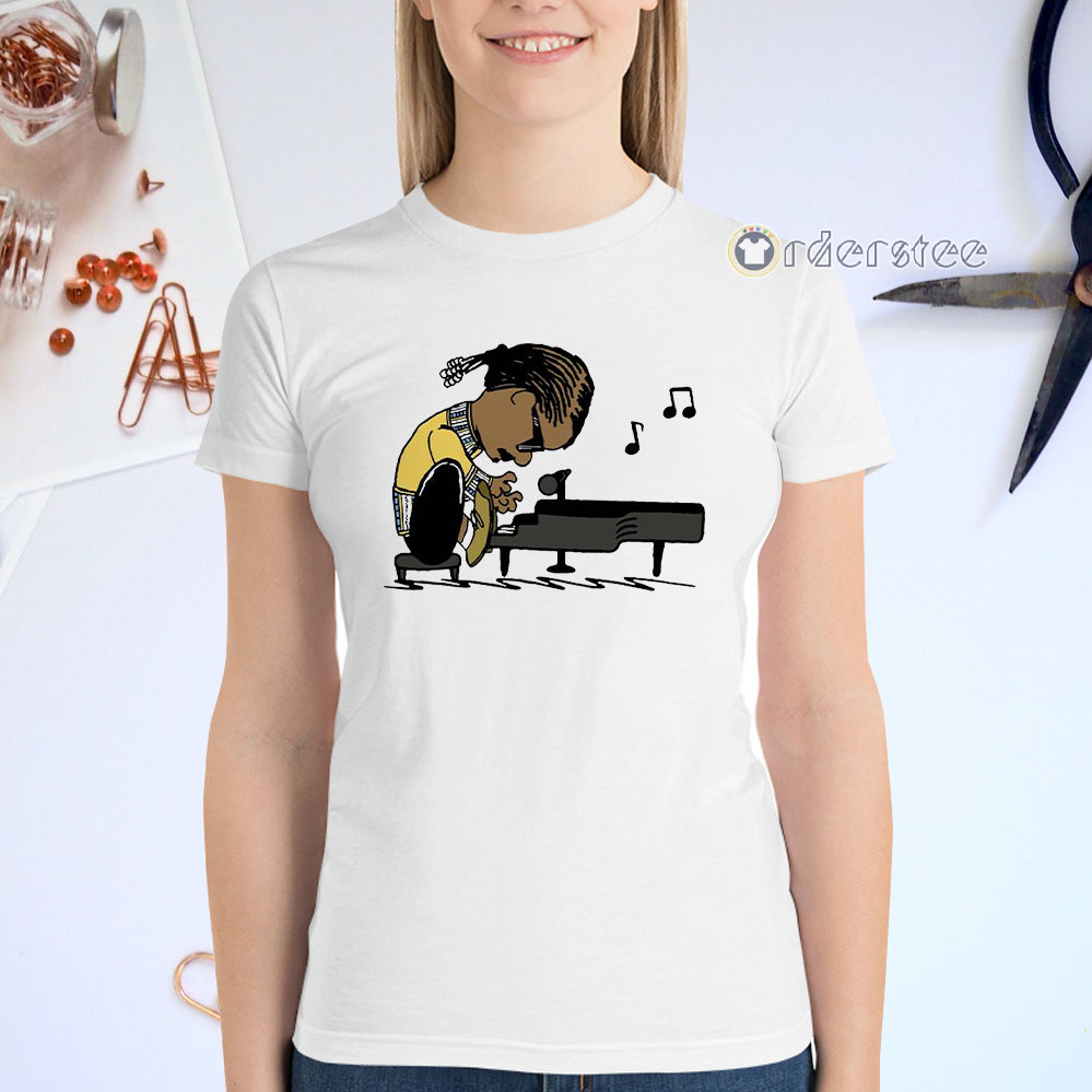 Snoop Dogg playing piano t-shirts
