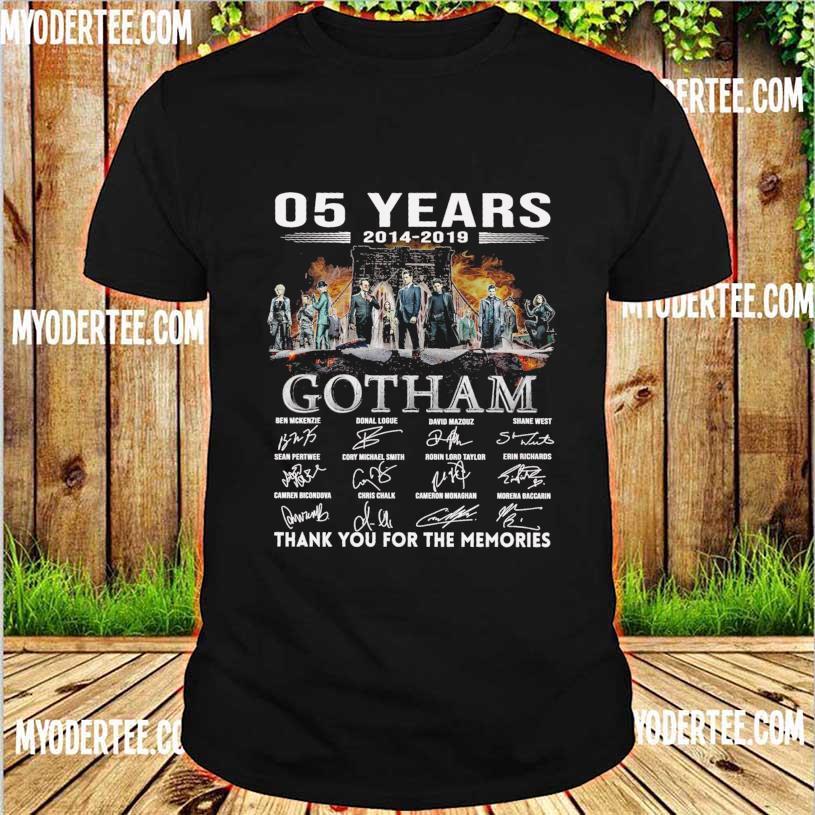 05 Years 2014 2019 Gotham Ben Mckenzie Donal Logue signatures shirt